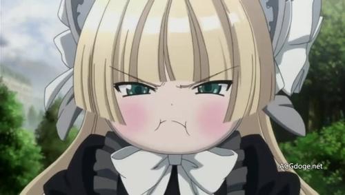 二次元萌妹子在生气时的一个特点就是会鼓起脸颊,不过现实中的妹子