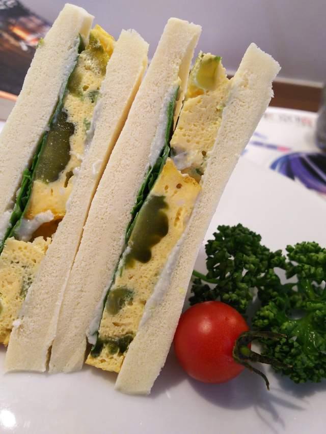 难吃到按赞《东京喰种》咖啡厅「超难吃三明治」符合食品安全法规的呕吐物... - 图片6