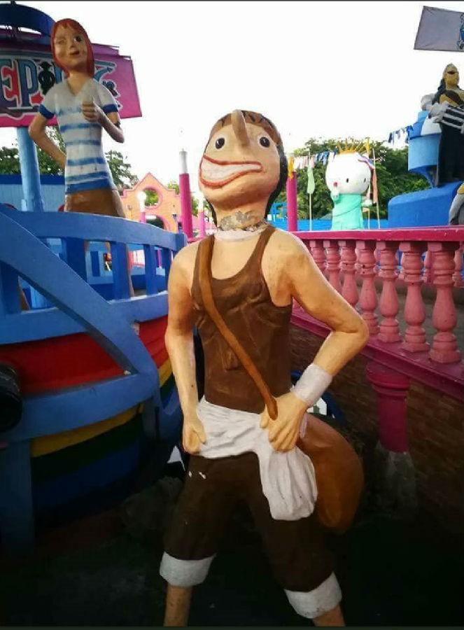 劣质海贼雕像,海贼王雕像