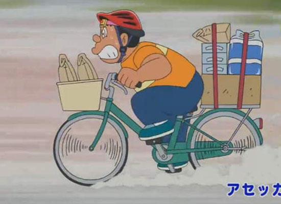 哆啦A梦宣导正确观念 胖虎骑车戴安全帽被吐槽