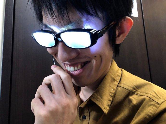 发光眼镜,名侦探柯南,EVA,眼镜